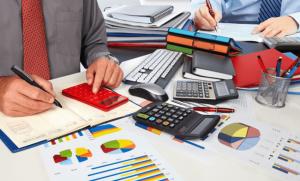 حسابدار مسلط به امور مالیاتی و حسابدار چه تفاوتی دارند و چگونه جایگاهی در شرکتها دارند؟-chortkeh20-com